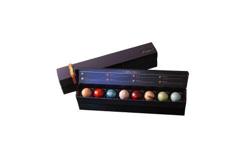 RIHGA ROYAL L'eclat Wakusei no Kagayaki — шоколадные конфеты в виде планет Солнечной системы