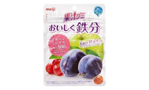 MEIJI Oishiku Tetsubun Prune Mix — жевательные конфеты с железом