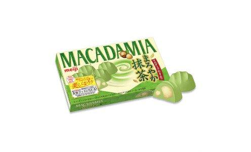 MEIJI Macadamia Maroyaka Matcha — орехи макадамия в шоколаде с зеленым чаем